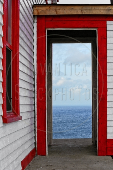 Doorway with a view to the ocean