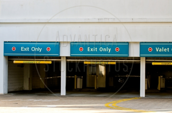Underground parking – Exit gates